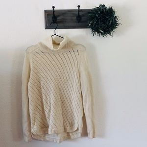 Lou & Grey White Turleneck Sweater M